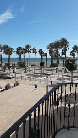 Apartamento primera linea vistas al mar
