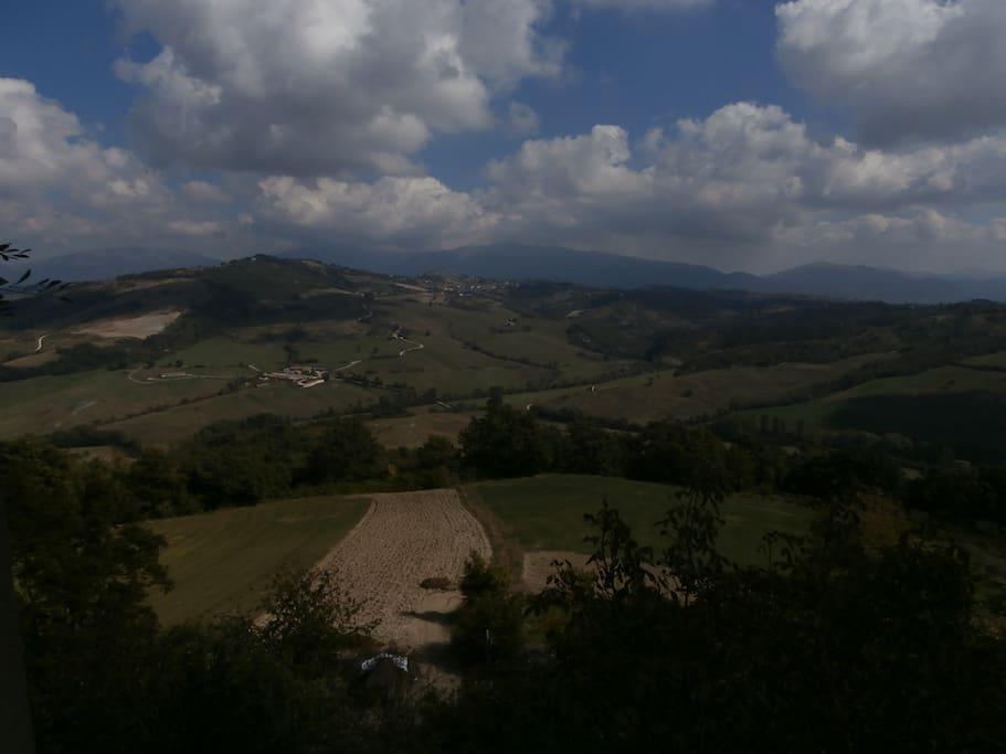 Il panorama dalle finestre est.