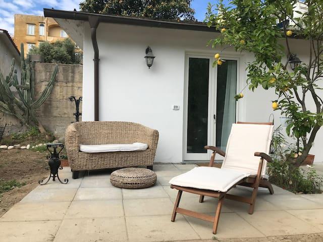 PapiMaison2-Camera doppia/bagno privato e giardino