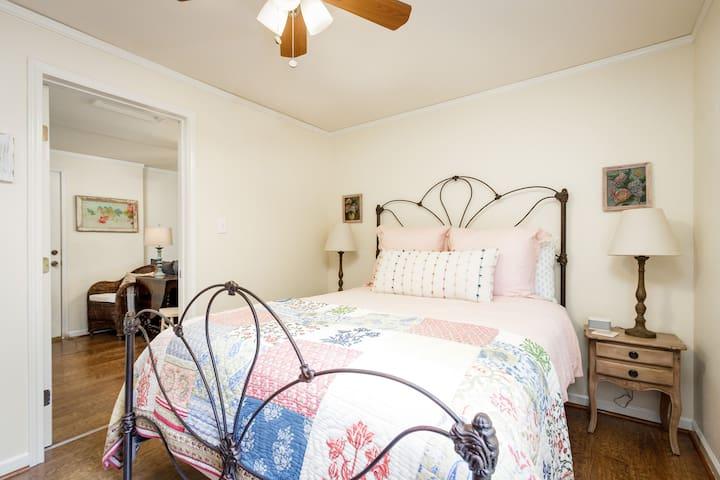 Queen bedroom with ensuite bathroom.