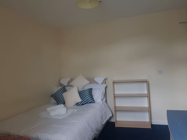 Standard Room in City Centre with Parking