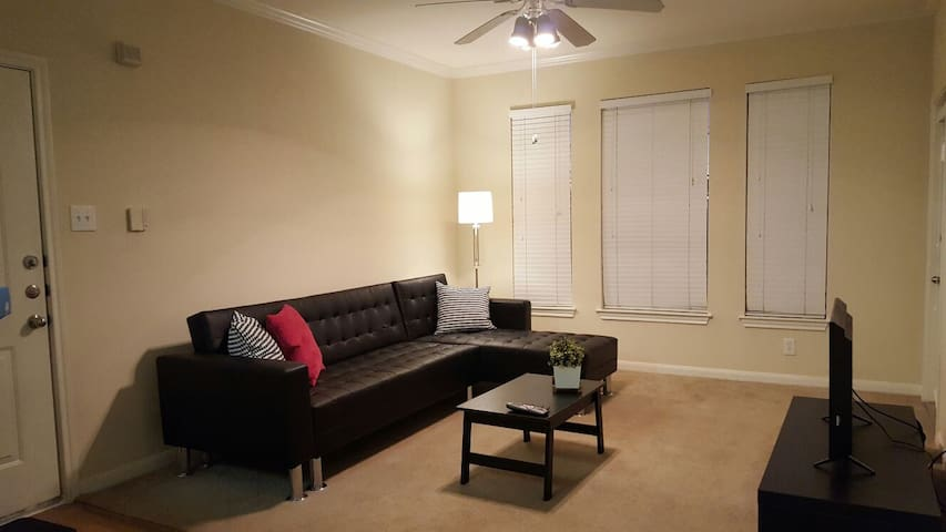 Stafford, TX 1 Bedroom Apt - 3-4 people - Stafford - Apartment
