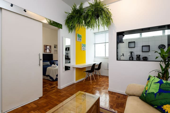 Omar do Rio - JG505 Spacious 1BDR at the Best Location of Ipanema