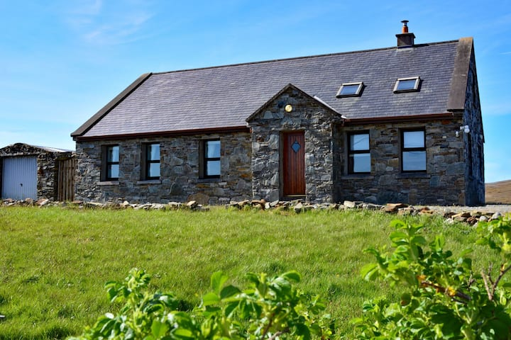 Cottage 118 - Cleggan