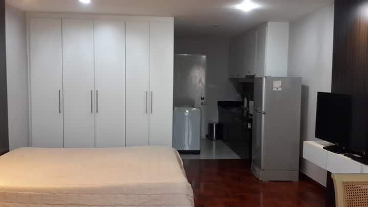 Studio condo Pattaya soi 4 Beach rd