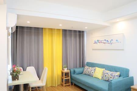 润达国际空中公寓高层景观房一居一卫室