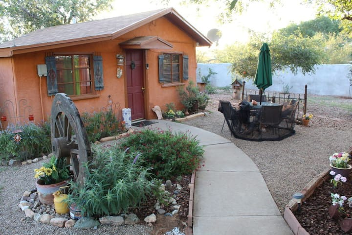 Hidden Oasis B&B - Tanya's Casita