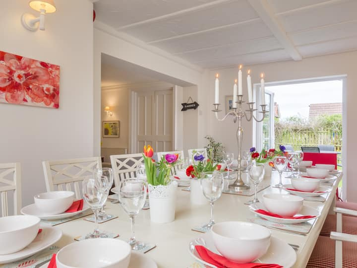 Overcliff Lodge - Holiday Home &  Health Retreat