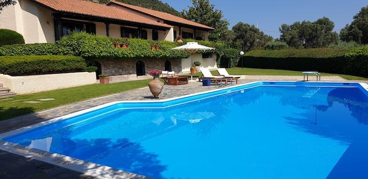 Villa Anna Family Relaxation Retreat