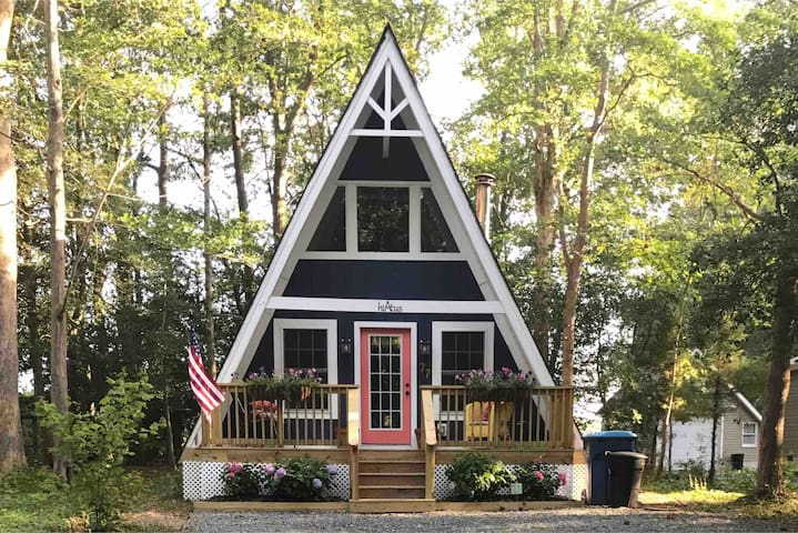 Charming A-Frame | Peaceful Couple's Getaway