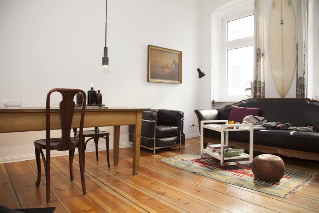 Wohnzimmer — living room