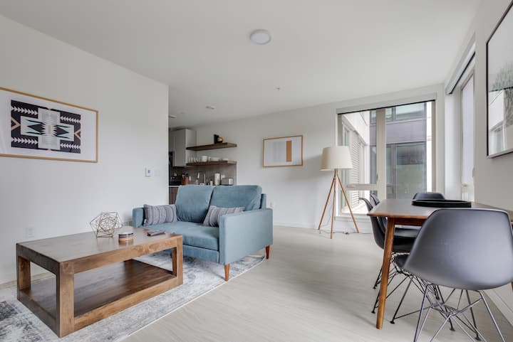 Hip 1BR Apartment in Seattle