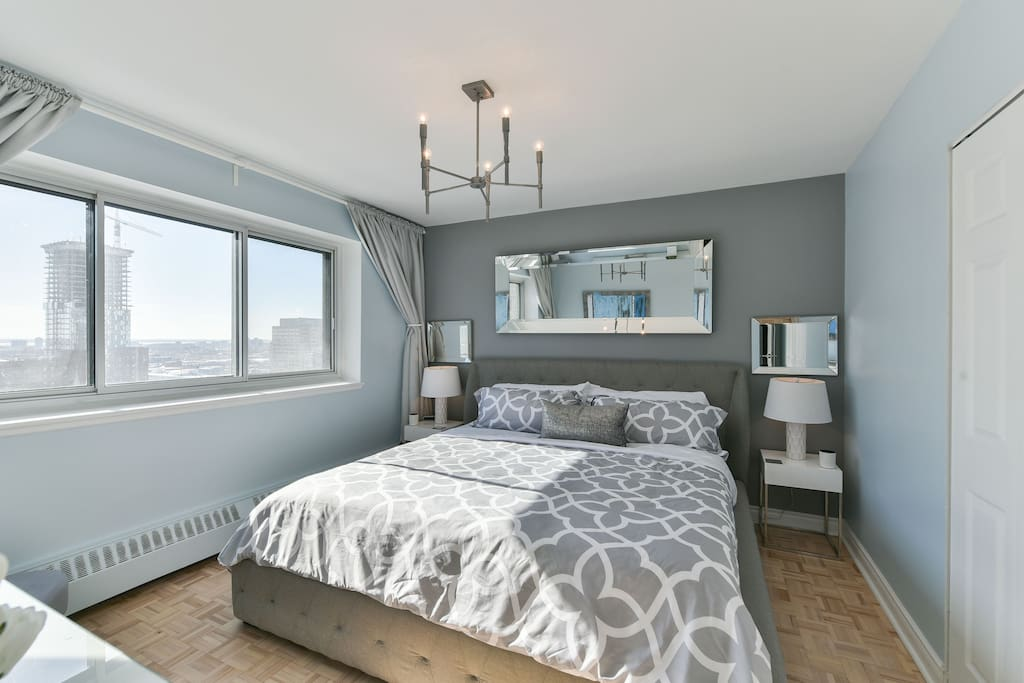 Fully furnished 2 bed & 1 bath apartment with amazing views of Downtown Montreal