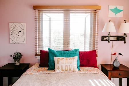 The Sassy Lilac Megan Love Room