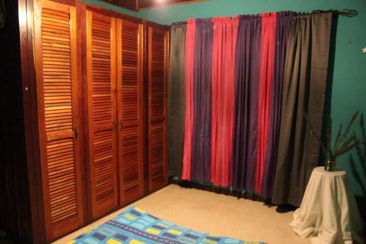 Habitación para una o dos personas - Cartago - Dom