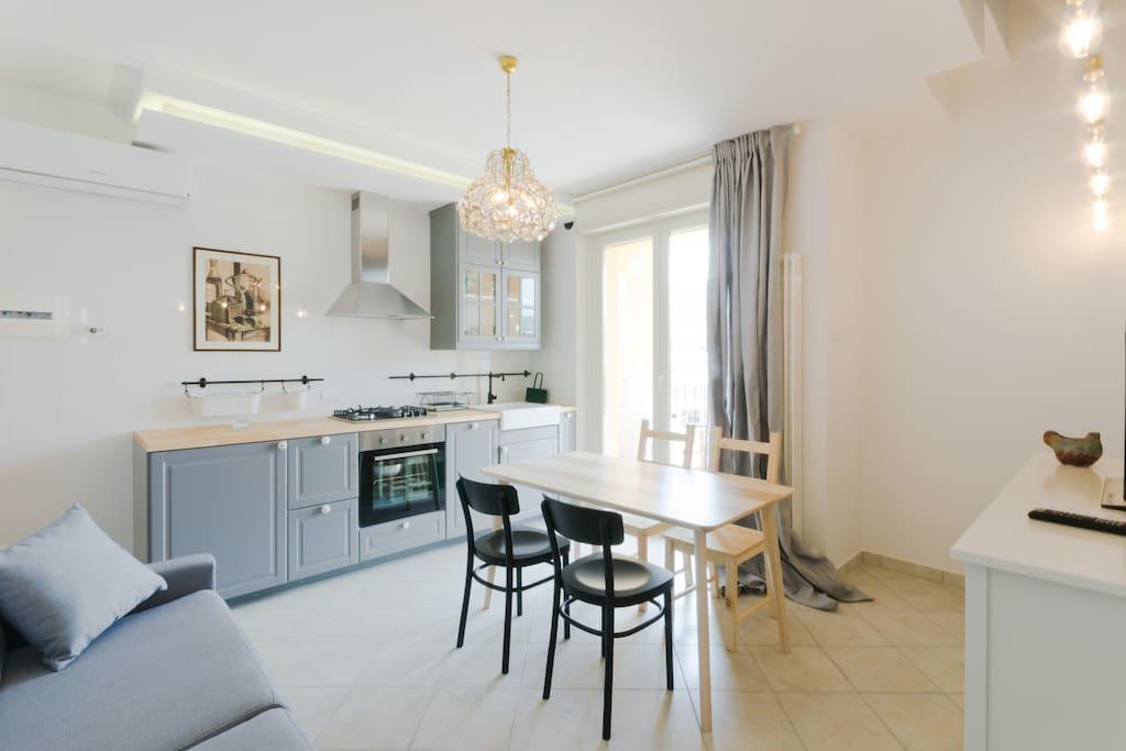 Appartamento trendy sul lungomare apartments for rent in for Lungomare elevato