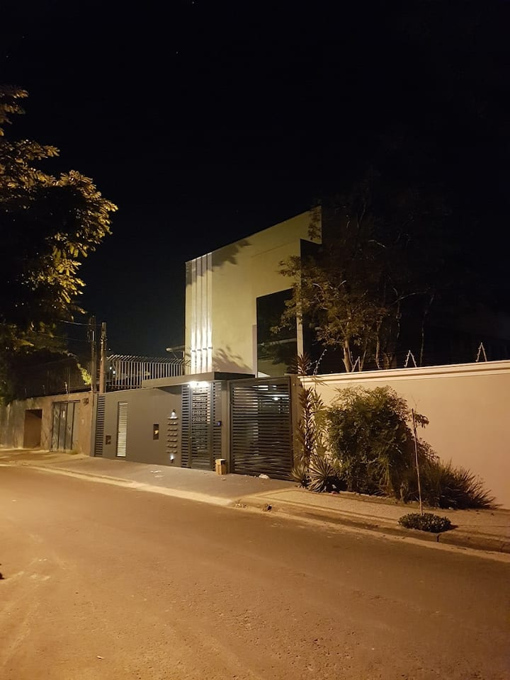 KITNET MOBILIADO 500m da ESALQ (5)