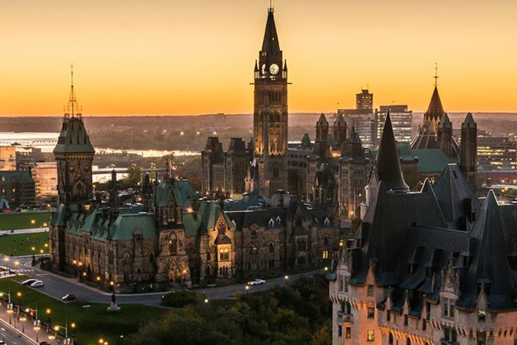 A short walk to take in the sunset at Parliament Hill.