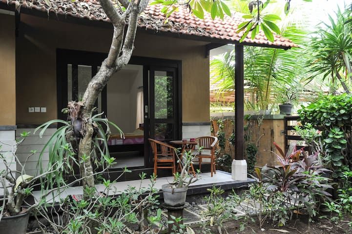 Room in A Balinese House Compound - Bali, ID - Hus