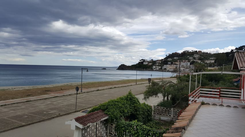 villa sul mare a Caminia (Calabria) - Caminia
