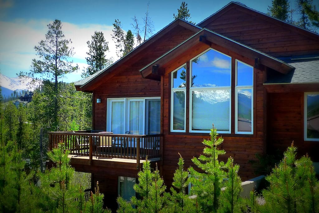 Epic views king beds hot tub bbq a location cabins for Cabin rentals in winter park co
