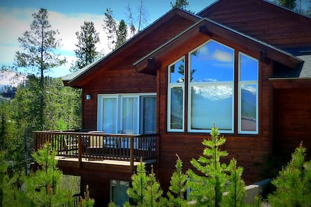 Epic Views, King Beds, Hot Tub, BBQ, A+ Location! - Winter Park - Haus