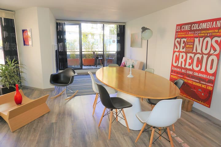 Awesome apartment in the heart of Rosales Bogota!