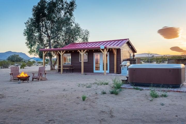 Bell Cabin - Romantic Couples Retreat w/ hot tub