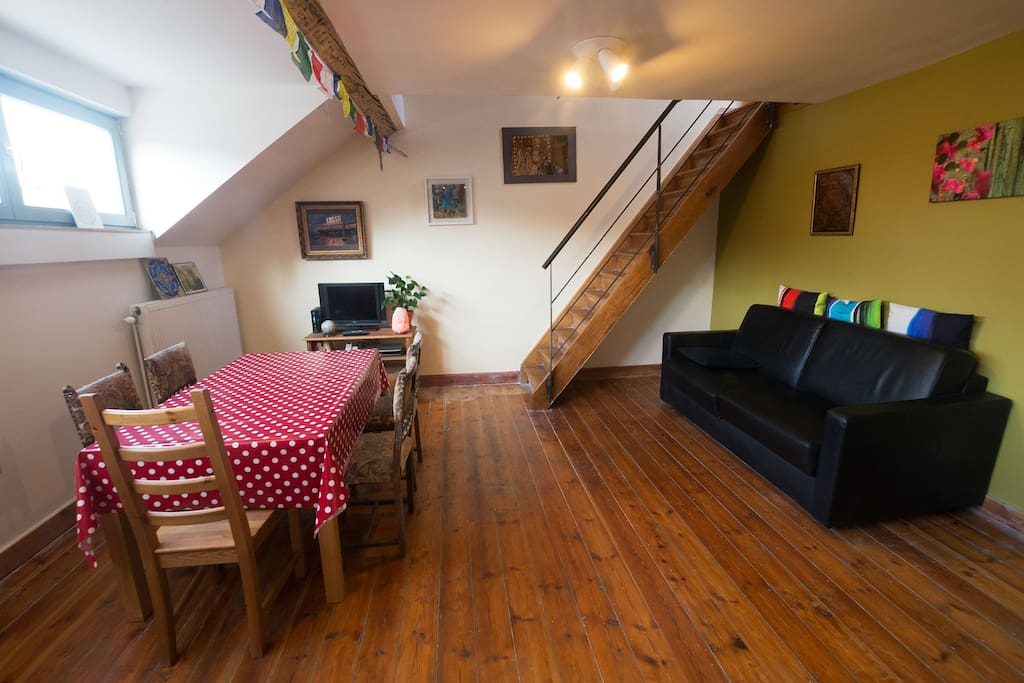 Adorable Room Space Under The Roof Wohnungen Zur Miete