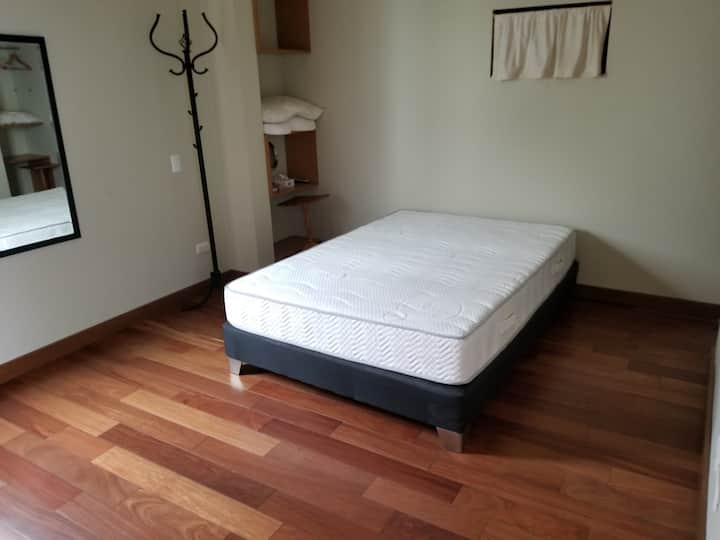 Santiago de Surco-Furnished bedroom, awesome house