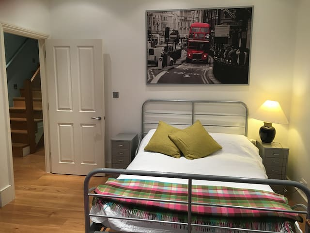 FULHAM GREAT LOCATION DOUBLE ROOM