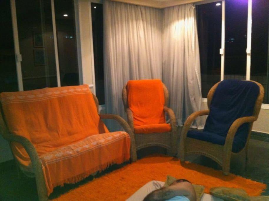 Foto parcial da sala de estar