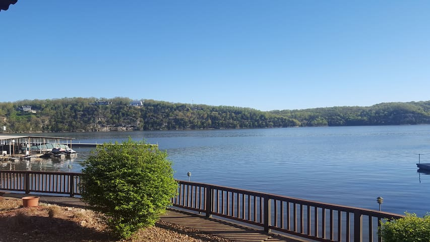 Million Dollar view, lakefront condo