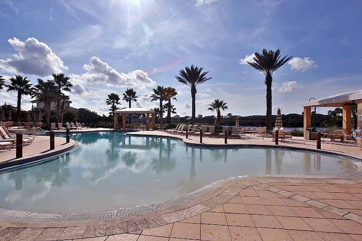 Direct Oceanfront Luxury Unit 752 - Remodeled throughout come and see!!