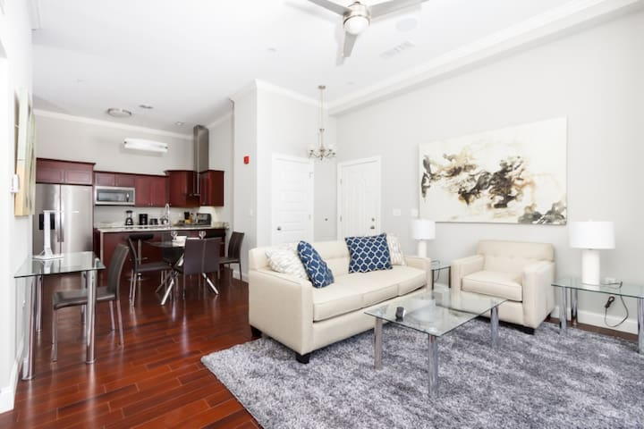 Stunning 1 Bedroom near Point State Park in PA!