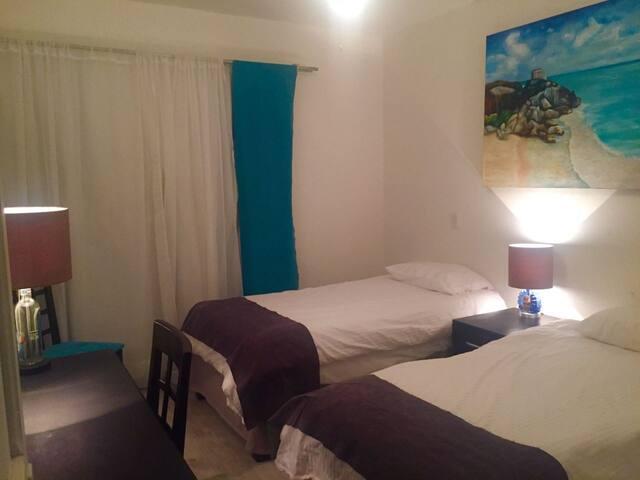 AT HOME Guadalajara (URL HIDDEN) location - Guadalajara - Bed & Breakfast
