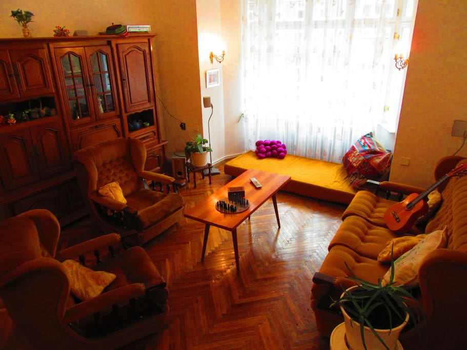 70 S Living Room With Many Beds Bed And Breakfasts For