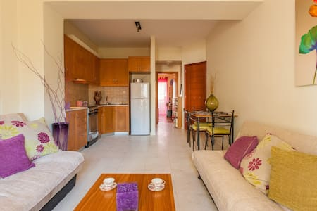 Just 2 minutes walk from the sights - Chania - Daire