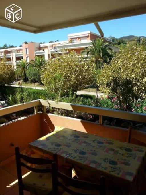 T2 35 m2 balcon 8m2 louer bord de mer wohnungen zur for Badezimmer 8m2