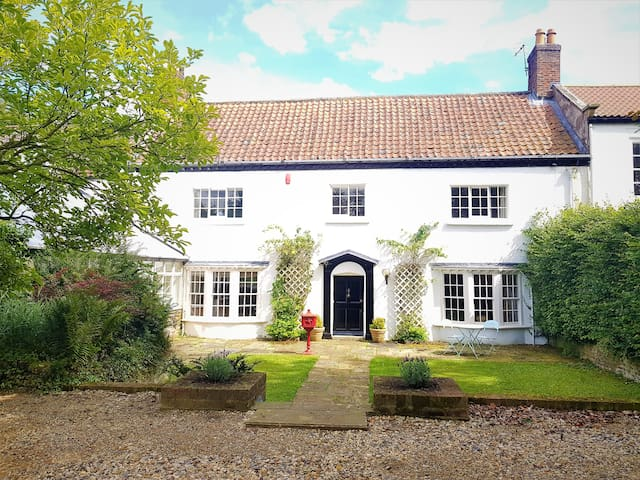 Low Hall. Grade II listed building. Sleeps 10.