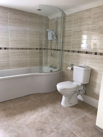 Lovely double room close to town centre