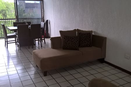 Cuarto privado céntrico/Bedroom close to downtwon. - Monterrey - Wohnung