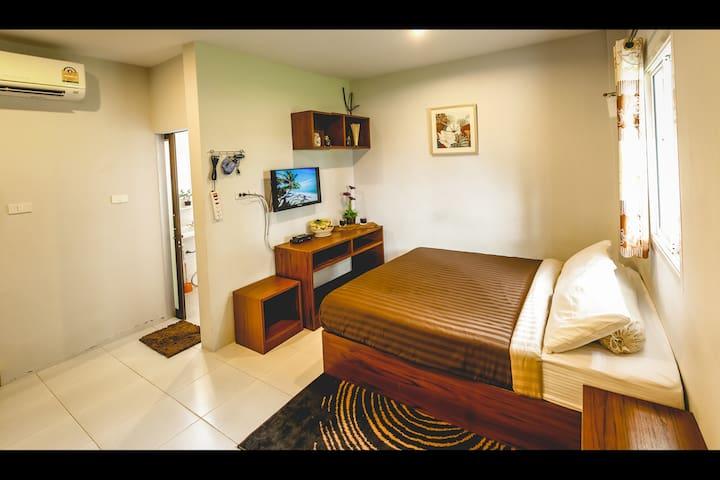 1BR Holiday Room/Apt in Bang-Tao