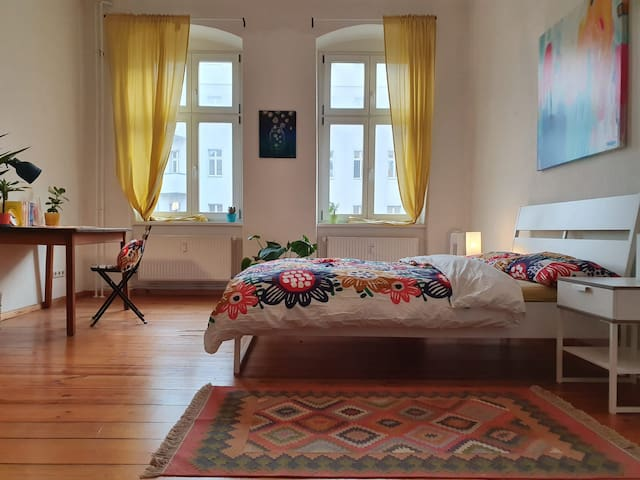 Bright and Big Room in Prenzelauer Berg