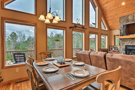 Smoky Mountains Cabin w/Hot Tub -Min to River