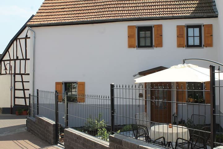 Ferienhaus Festung zu Ketghe - nahe Koblenz - Kettig - Talo