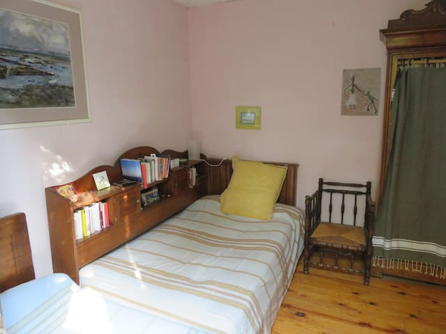 Chambre dans maison de village - Flaux