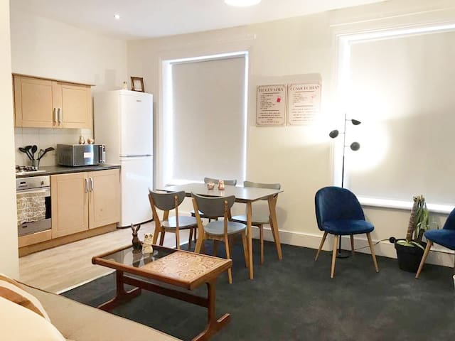 Light & Spacious Flat- Liverpool St & Kings Cross
