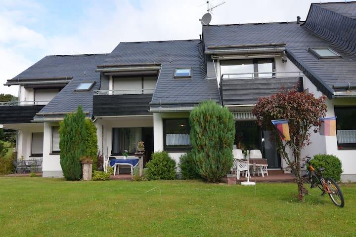 Gemütliche Ferienwohnung mit Terrasse in Usseln