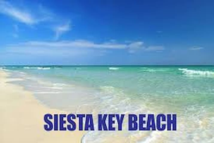 Minutes to Siesta Beach and Seconds to Shopping
